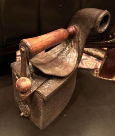 Very rare and singular germany carbon Iron from the III Reich II World War Ca 1930
