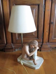 Porcelain table lamp, 1950s/1960s, depicting a naked woman