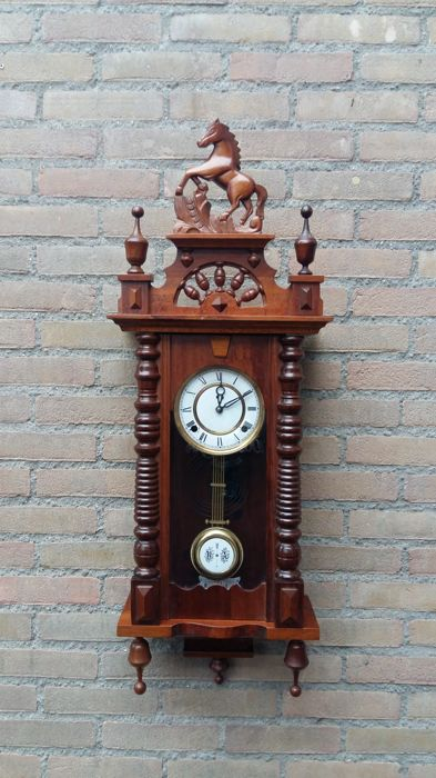 Horse clock – mahogany – brown - 1960s/1970s