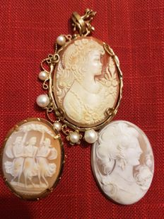 Three Cameos adaptable to Brooch or Pendant - depicting the Three Graces and Women Portraits - 1900 - Italy