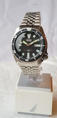 Seiko 4205-0156 Classic Driver from 08-1982