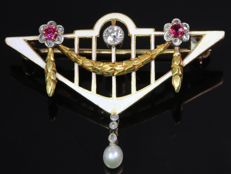 Art Nouveau enameled brooch with Diamonds, Rubies and a Pearl, ca. 1900