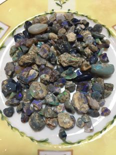 mixed opal - black to crystal - rough, specimen, chips - from 5 to 23 mm - 470 ct