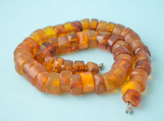 Antique Baltic Amber necklace old honey butterscotch egg yolk colour, 64 gram