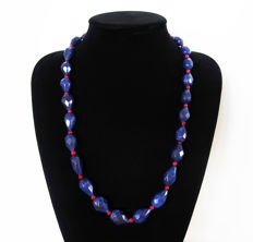 Necklace in faceted sapphires and round polished rubies - Total length 66.5 cm - 595 ct