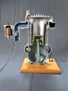 Driving school model - sectional model of a 4-stroke engine - 1960s - Germany (Federal Republic of Germany or East Germany) - 29 cm tall