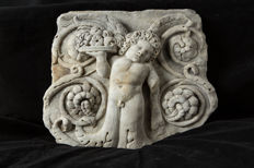 Marble fragment of Eros with fruit - Italy, early 20th century