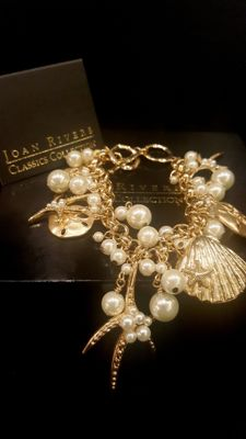 Joan Rivers signed, sea creatures inspired lovely Bracelet with faux pearl