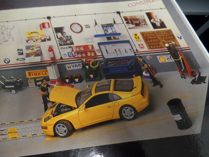 Auto garage to build yourself - Constructo Modelisimo 1:18