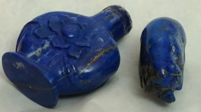 Lapis lazuli, perfume bottle and piglet (small sculptures) - China - second half of 20th century