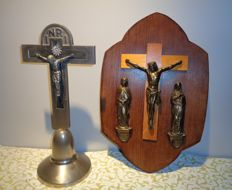Vintage Art Deco metal crucifix and bronze on wood CALVARY, beginning of 20th century, Germany and Belgium