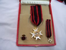 Set with box of the Order of Saint Sylvester Pope