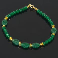 Jade pearls and Emeralds bracelet – Length 20 cm, 14kt/585 yellow gold clasp