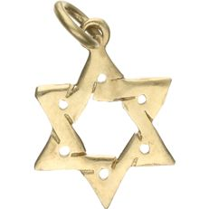 14 kt Yellow gold pendant in the shape of a star of David. – length x width: 2 x 1.2 cm