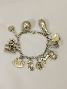 835 Silver charm bracelet with 12 large charms - Length: 20 cm