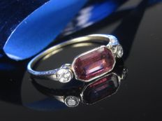 Antique gold platinum ring with diamonds and tourmaline * no reserve price *