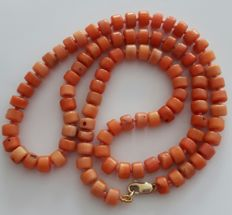 Antique Italian natural coral necklace - Salmon colour Angel skin