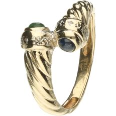 14 kt Yellow gold decorated ring set with sapphire, emerald and 2 brilliant cut diamonds of approx. 0.01 ct in total - ring size : 16.75 mm