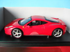Hot Wheels - Scale 1/18 - Ferrari 458 Italia - Red