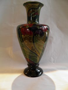 Plateelbakkerij Zuid-Holland - Vase with Gouda decor