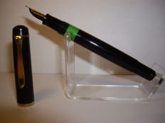 Rare Pelikan M481 (400) 1983-1985 piston filler fountain pen B nib
