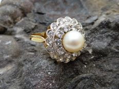 Ring with Akoya pearl - 18 kt gold - No reserve