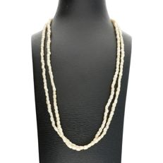 14k - Yellow gold two-row cultured pearl necklace - Length: 35 cm