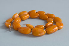 Baltic Amber necklace vintage butterscotch colour, not pressed, weight: 30,43 gr.
