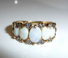 14 kt / 585 gold ring with 5 natural opals from Australia + 8 diamonds RS 53 / 16.9 mm - adjustable