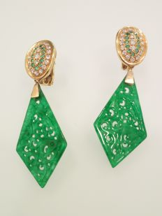 Earrings in 18 kt yellow gold, with diamonds, emeralds, jade