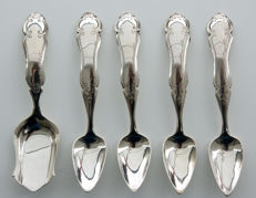 Silver sugar scoop and 4 matching mocha spoons, The Netherlands, 1879