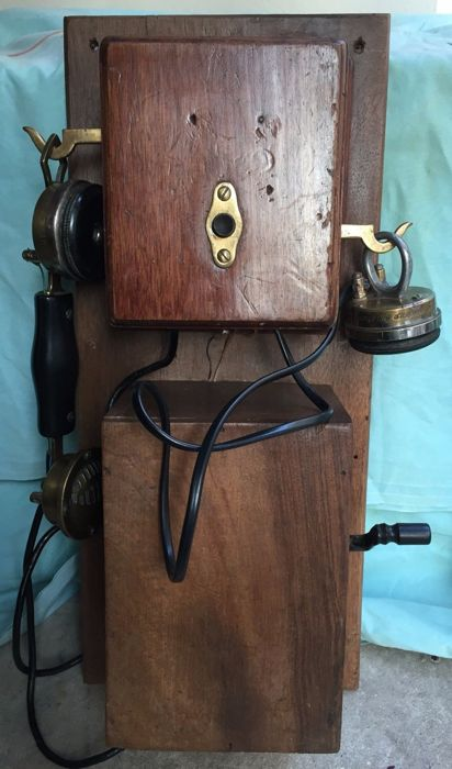 Picart-Lebas wooden wall phone, 1906