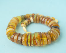 Baltic Amber vintage necklace in old honey butterscotch egg yolk colour, 54 gram