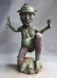 Old bronze statue of a warrior - BENIN - Nigeria-Benin City region
