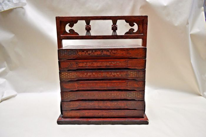 Handmade Chinese jewellery box with stackable trays - China - 2nd half 20th century