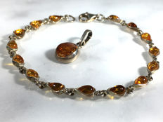 Vintage silver and Baltic Amber bracelet and pendant with drop oval Amber elements, No reserve