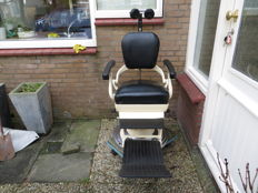Vintage dentist's chair - 1950s - manufactured by Fa. Ritter in Karsruhe, Germany