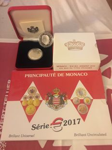 Monaco - Case of 2017 BU coins from 1 centime to €2, case of 2012 €10 - silver + case of €5 BU 'Sas Albert de Monaco' - silver + €5 Sainte Dévote Rainier de Monaco