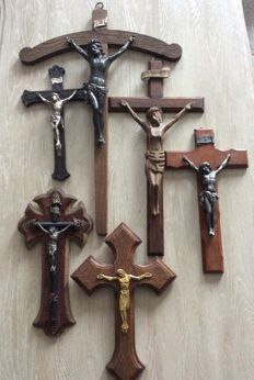 Lot different crucifixes, bronze, oak, silver-plated, origin Italy, period 1st half of 20th century