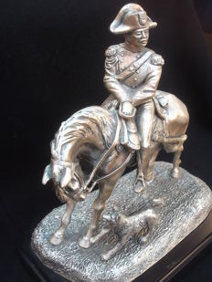 Carabiniere statue on horseback with dog