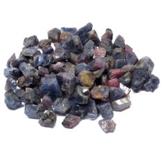 Lot of Natural Rough Violet Color Sapphire - 7-15 x 5-13 x 3-7 mm.- 400.00 Ct
