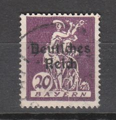 """German Empire 1920 - postal stamp Bavaria farewell series with overprint with plate flaw """"vertical white line from the elbow down to the lower margin - - Michel-no. 122 XIV"""