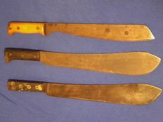 Military machetes, 3 pieces, 2 Martindale, 1 Collins (hallmark 1943), Golock 2 execution for special forces, collectors condition, with Broad Arrow punch and maker stamp