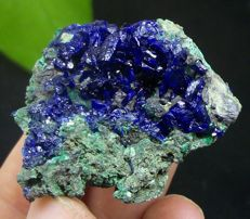 Electric blue Azurite cluster  4.1 x 3.7 x 2.5  cm - 28 gm