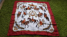 Hermès Paris 'Reprise' scarf, designed by P. Ledoux, in very good condition, no reserve price