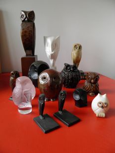 Lot of 13 owl figurines, various materials