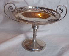 Large solid silver Tazza - Goldsmiths and Silversmiths Company - London - 1905