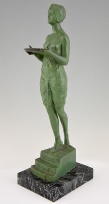 Pierre Le Faguays - Art Deco sculpture of a woman with tray - H. 49 cm.
