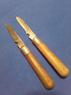 Mixed lot of radio operator knives from the 2nd World War, 3rd Reich, Signals Corps, in working order, length 19 cm