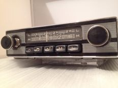 Blaupunkt Bremen classic car radio from 1965  Porsche 911/912 and 356.
